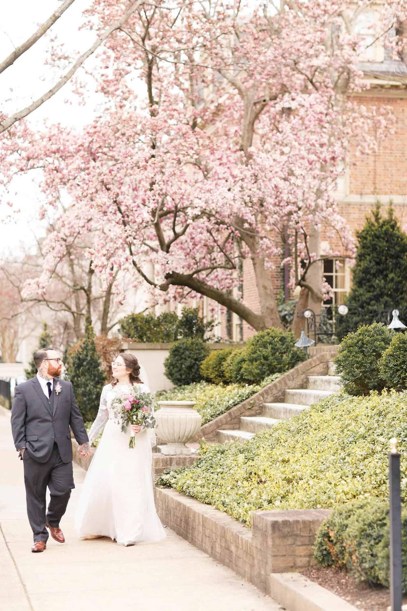 Monumental Avenue Richmond, Virginia Wedding Photos