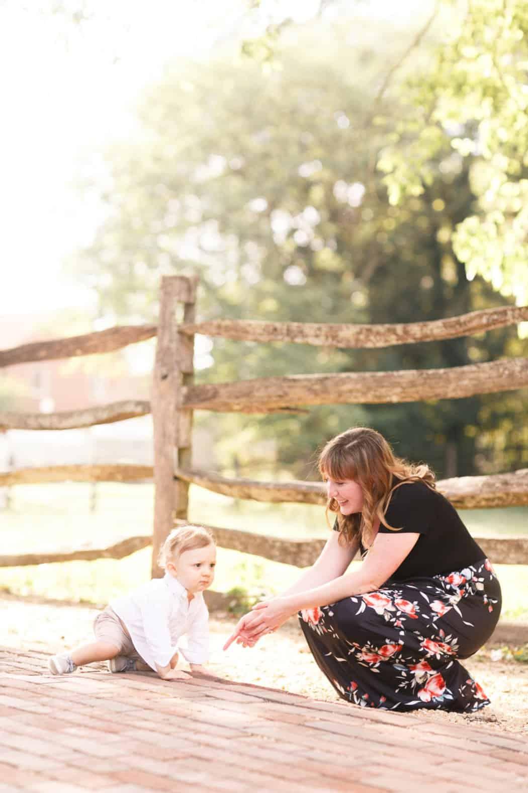 colonial williamsburg virginia engagement photos